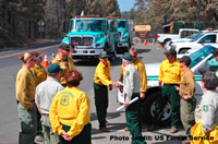 U.S. Forest Service Chief Tom Tidwell meeting firefighters at the Rim Fire.